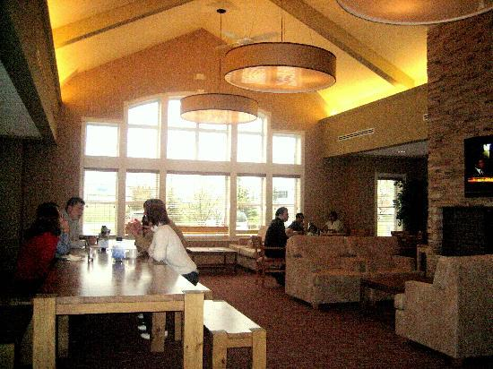 Lakeview Signature Inn Calgary Airport: Dining Area