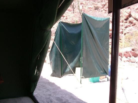 """Baja Camp: il """"bagno"""""""