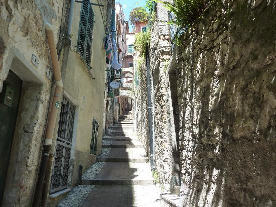 Residence dei Due Porti: Old town