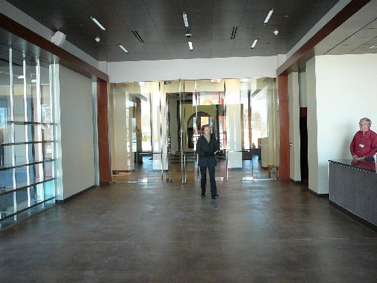 Currier Museum of Art: Lobby