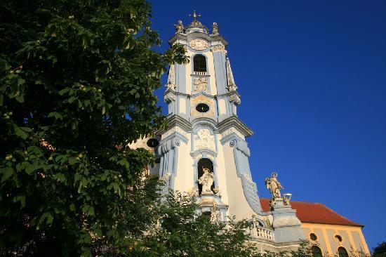 Gartenhotel & Weingut Pfeffel Dürnstein: Cathedral Blue in Dürnstein