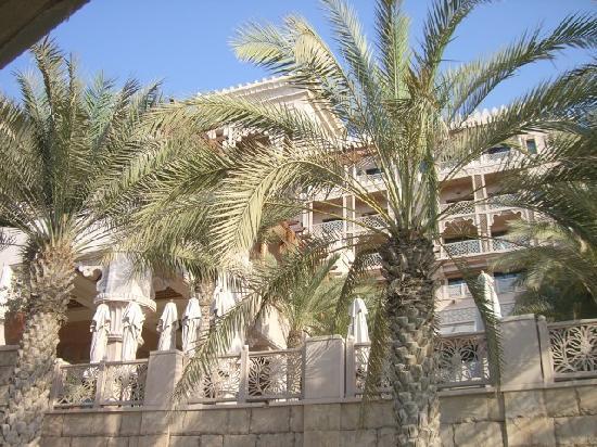 Jumeirah Al Qasr at Madinat Jumeirah: Blick auf die Zimmer