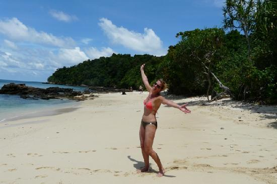 Andaman Sea Club Sailing Charters: discovery of a only the lonely beautiful beach