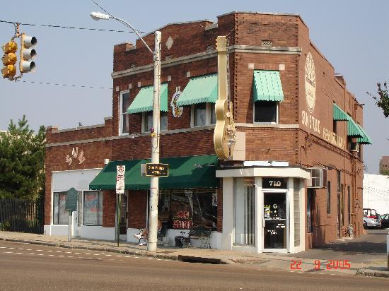 Elvis Presley's Heartbreak Hotel: sun studio