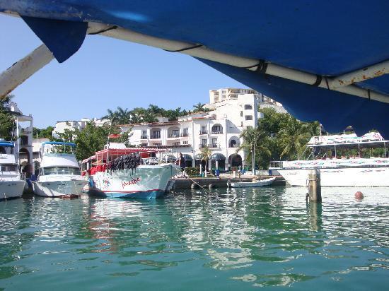 Marina Hotel & Resort: Ubicacion