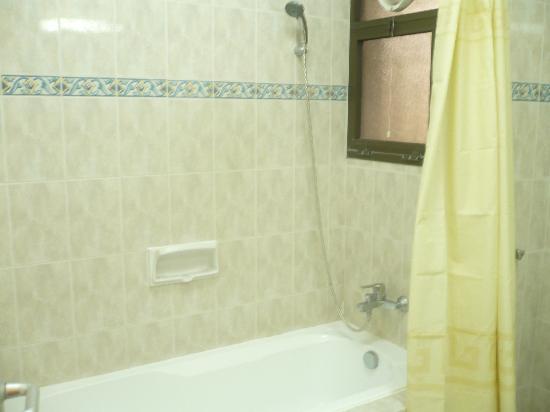 Jebel Al Akhdhar Hotel: badroom