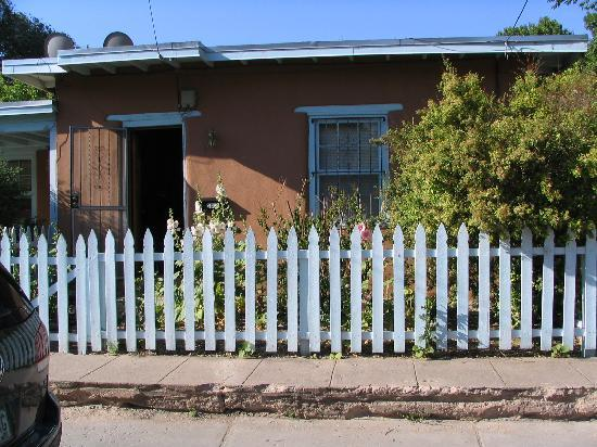 Chapelle Street Casitas: Our Casita - 260 1/2 Staab St. Really cute inside!