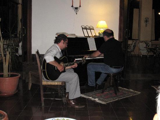 Bel Soggiorno: Luigi and Carlo