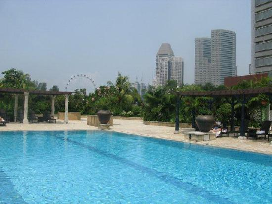 Parkroyal On Beach Road View Of Singapore Flyer