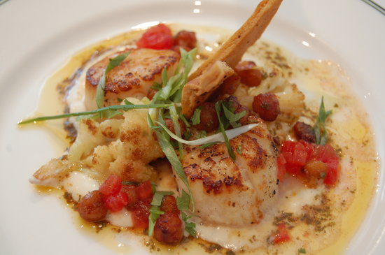Bayona: Seared scallops