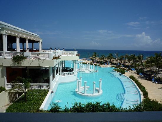 Grand Palladium Jamaica Resort & Spa: Infinity Pool