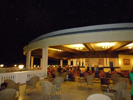 Grand Palladium Jamaica Resort & Spa: Infinity Bar