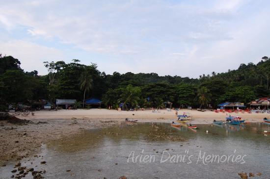 the aur bay at low tide around 7pm picture of shari la island resort pulau