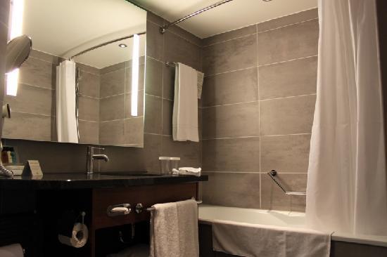 Crowne Plaza Amsterdam City Centre : Bathroom