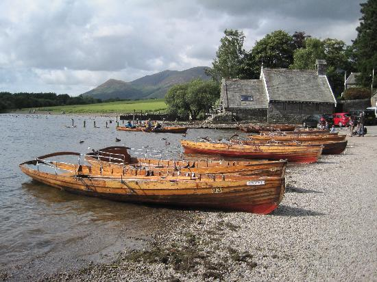 Maple Bank Country Guest House : Derwentwater and Skiddaw
