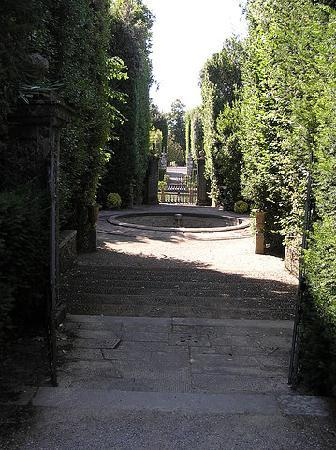Park of Villa Reale : along the stream