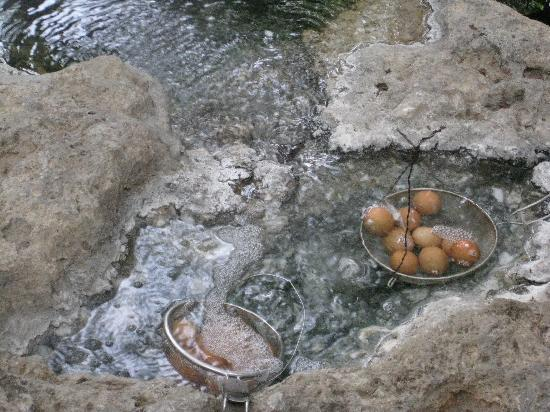 Sungkai, Malezja: Egg Boiling Activity