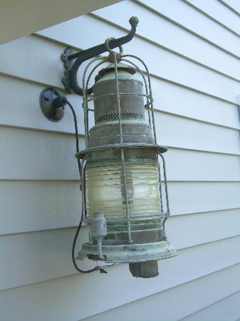 Lawsonville, NC: latern at front door