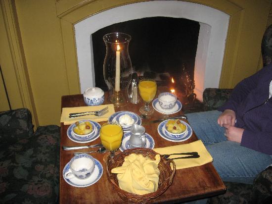 Gettystown Inn Bed & Breakfast : Our morning breakfast!