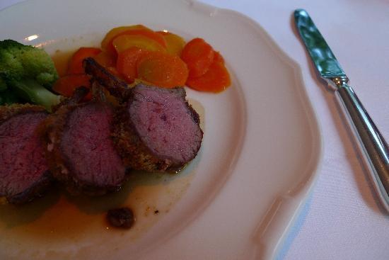 Hotel Privata: ある日のディナー