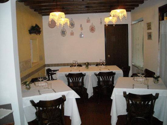Osteria dalla Pierina : one room