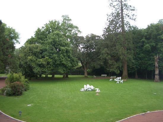 Hotel La Ferriere: ぼーっとするのに最適なお庭