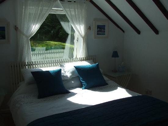 Huntingtower Lodge: Pretty bedroom