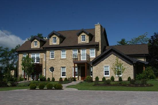 Copperstone Inn: front of house