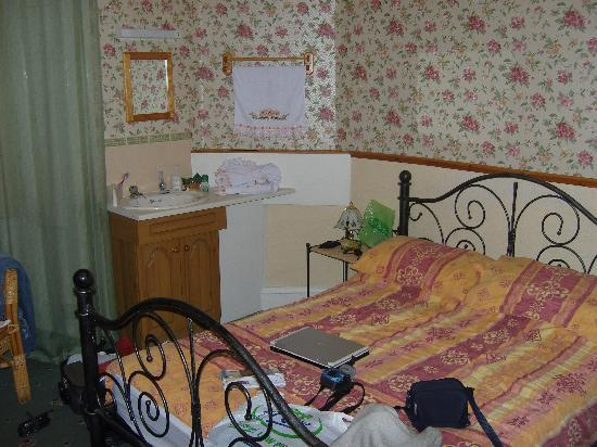 St. Conan's Guest House: room