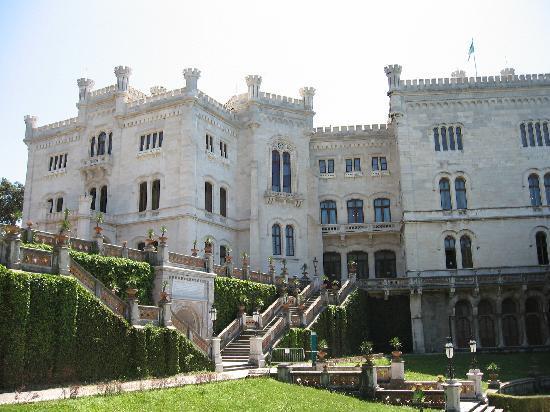 Museo Storico del Castello di Miramare: Front of castle