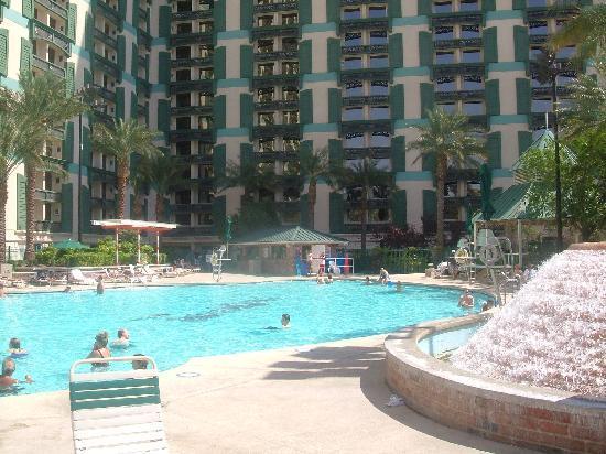 Orleans casino pool valise a roulette pas cher