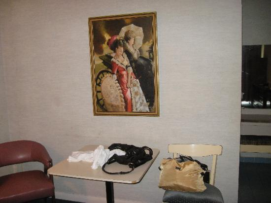 Surfside Inn: another part of the room