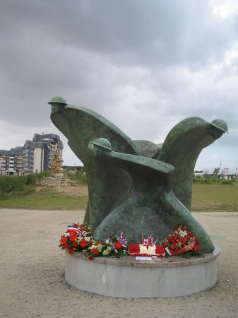 Courseulles-sur-Mer, France: memorial in front of musuem