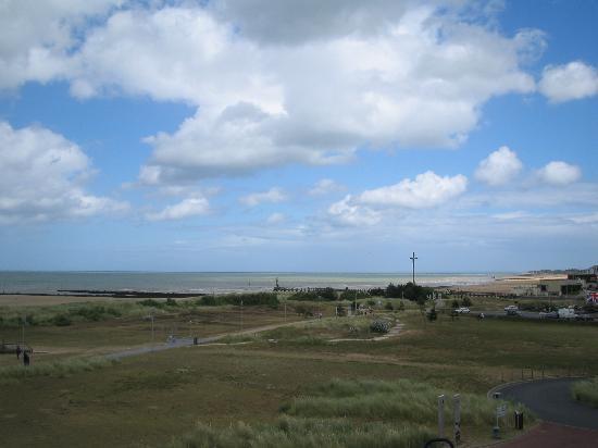 Juno Beach Centre: view of Juno Beach from Museum