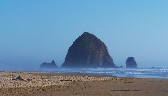 Sea Sprite on the Estuary: Haystack Rock - walking distance from hotel