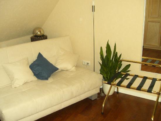 Geniesserhotel Lodner: chambre 7, coin avec divan
