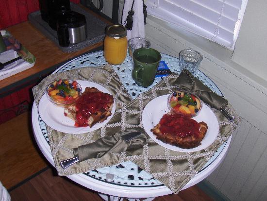 A White Jasmine Inn : Lovely breakfast !!!!!!!!