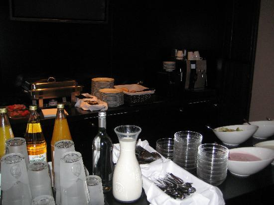 Hotel am Rothenbaum: breakfast bar