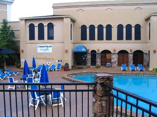 Tanglewood Resort and Conference Center: The Pool Area