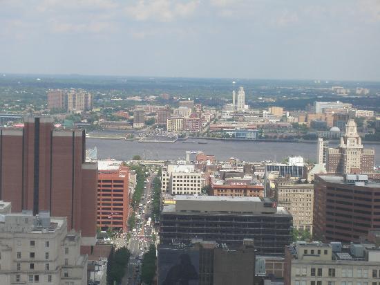 Loews Philadelphia Hotel: THE VIEW
