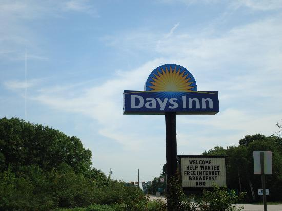 Days Inn Kittery: sign