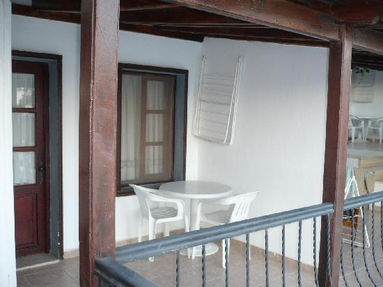 Hotel Jarra : Balcony - entry to our room