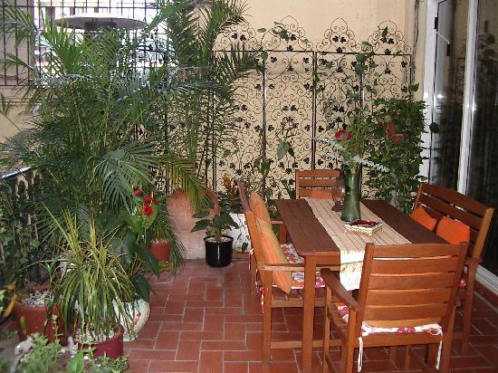 Hostal L' Antic Espai: The garden