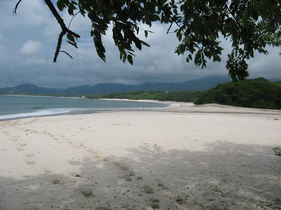 Cabinas Diversion Tropical: beach
