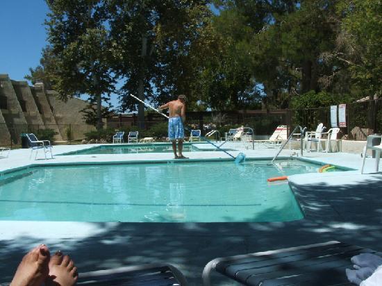 The Inn at Silver Lakes: Dirty, dirty pool