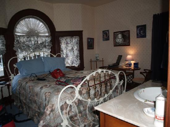 Franklin St. Station Bed and Breakfast : Enchanted Haven-during my stay