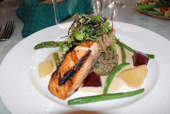 Shelburne Inn: salmon