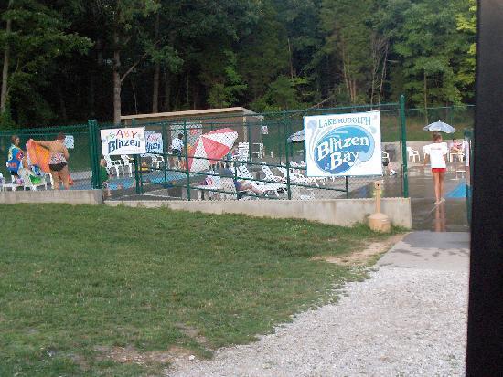 Lake Rudolph Campground & RV Resort: Great swimming pool