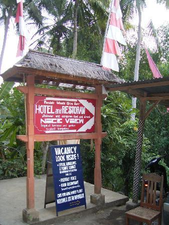 Grya Sari - the Bali Hot Springs Hotel: the entrance to the little bridge across the river
