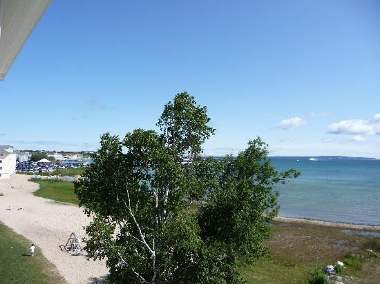 Mackinaw Beach and Bay - Inn & Suites: Views from our balcony